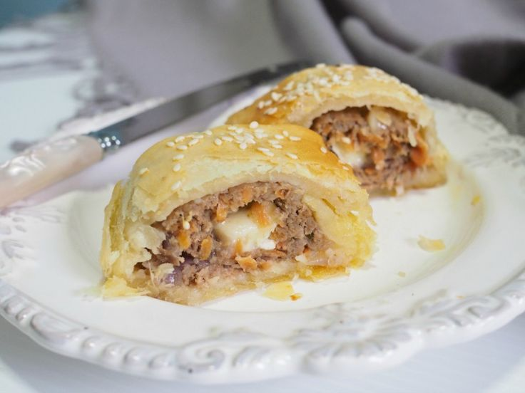 These Caramelised Onion and Turkey Sausage Rolls are made from scratch, including the pastry, in less than 30 minutes (plus baking time).       And yes, that's oozing creamy cheese in the middle