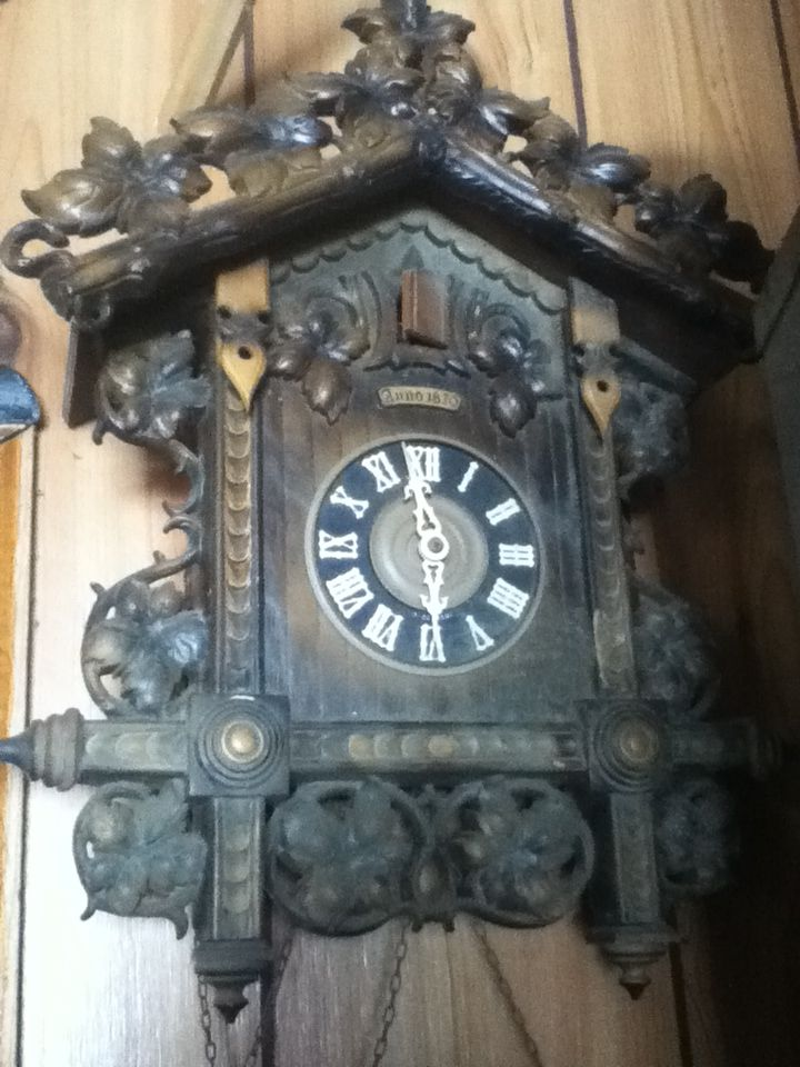 17 best images about clocks on pinterest victorian furniture antiques and clock - Coo coo clock pendulum ...