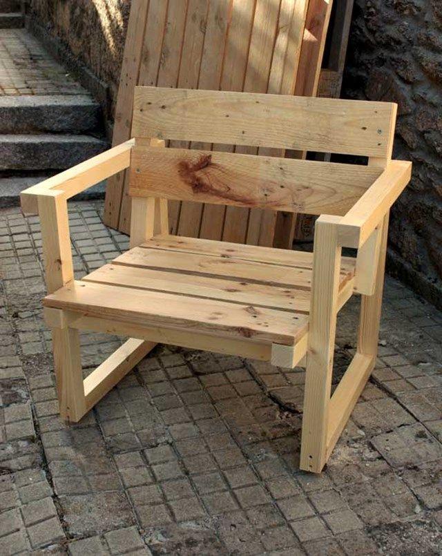 silla reciclada palets Artilujos: Muebles y decoración a partir de materiales reciclados