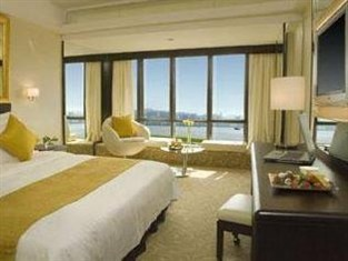 Regal Oriental Hotel Hong Kong - Deluxe Room under $900 for 7 days