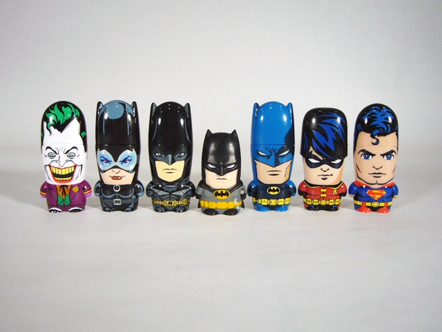 http://www.figures.com/forums/attachments/news/30111d1343925787-review-mimoco-dc-universe-superman-mimobot-batman-mimomicro-batman14.jpgInheritance Theblahblahblah