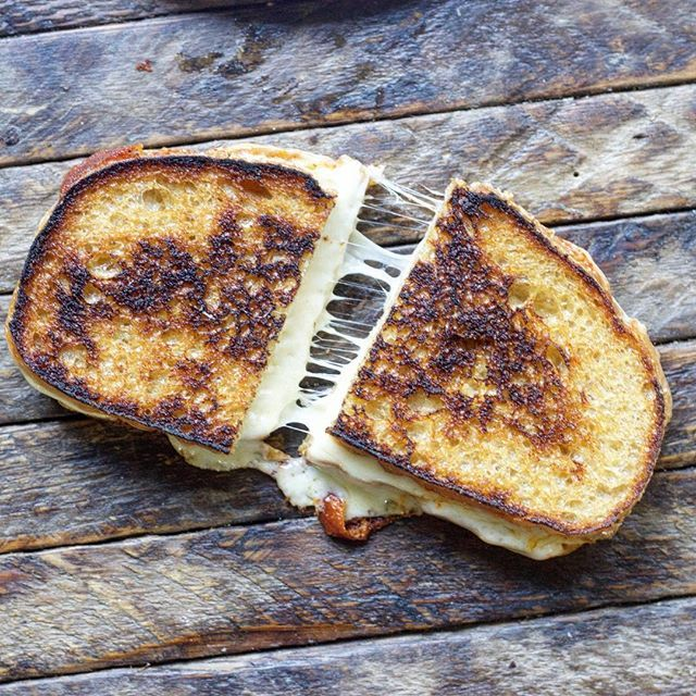 Grilled Cheese With Fresh Mozzarella And Munster Cheese via @feedfeed on https://thefeedfeed.com/andrislagsdin/grilled-cheese-with-fresh-mozzarella-and-munster-cheese