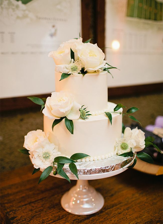 Natural Sonoma Winery Wedding Two Tier Cakesmall
