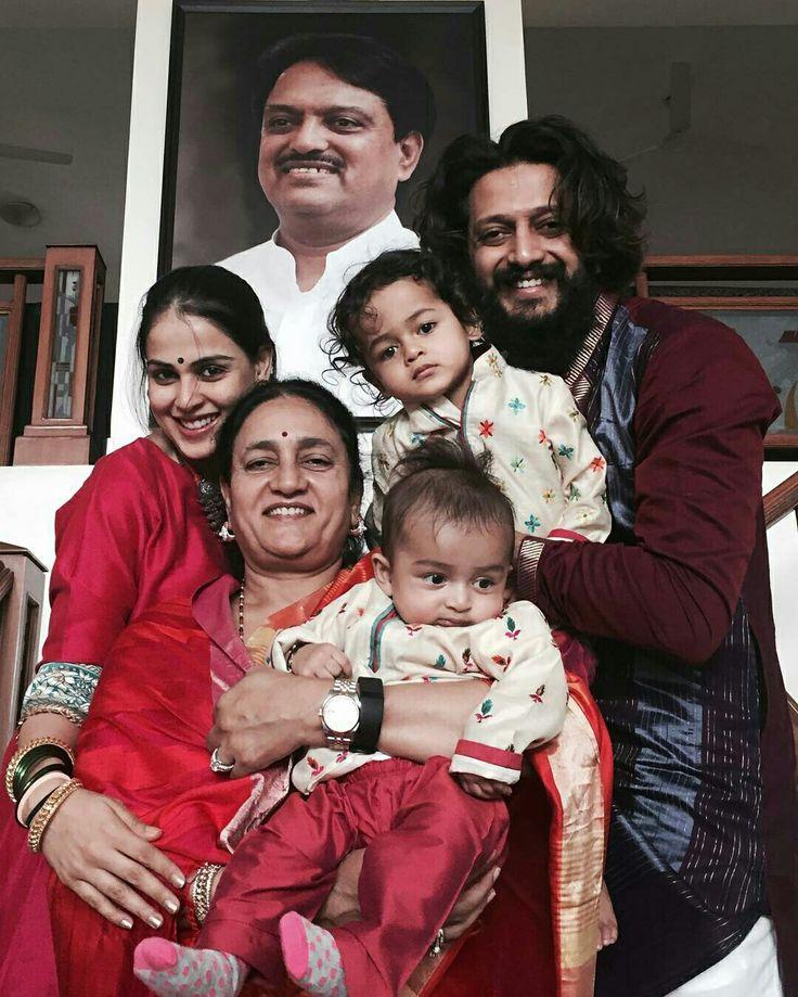 Such a cute family's #Diwali pic   #genelia #deshmukh #riteish