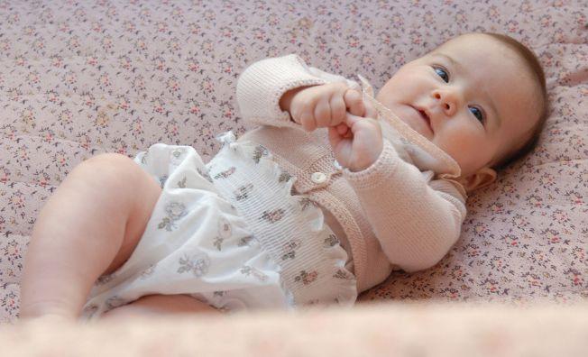 Dulzura, delicadeza, es la propuesta de este bebé