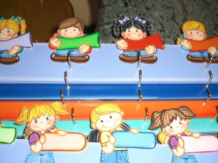 Perchero de preescolar manualidades pinterest - Perchero pared infantil ...