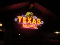 Texas Roadhouse!!! NEED to Eat here again in my life! :)Texas Roadhouse Sooo, Roadhouse Ashley, Texas Roadhouse Mi, Texas Roadhouse 3, Texas Roadhouse Yum