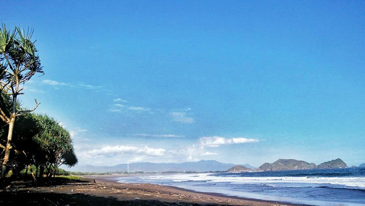 Indahnya pantai watu ulo
