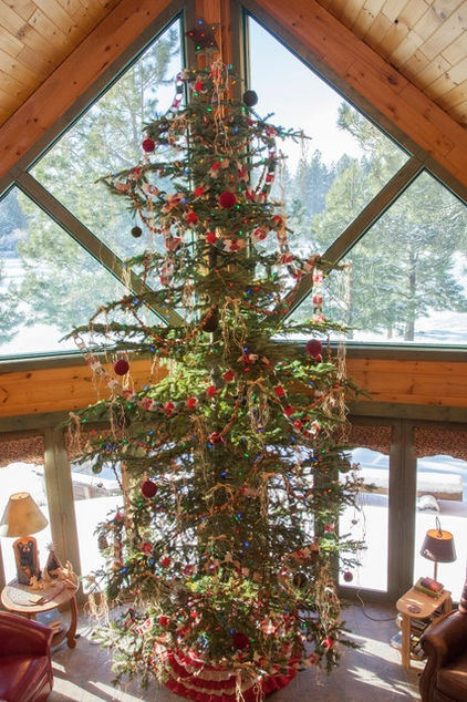 My Houzz Rustic Charm In A Handsome Log Cabin Rustic Christmas Tree Tall Christmas Trees Christmas Tree Design