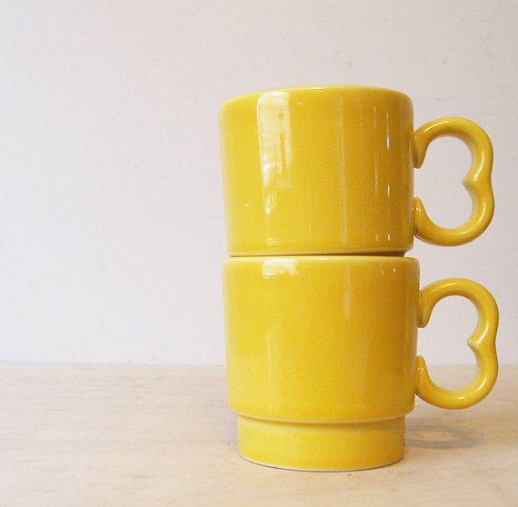 gelbe stapelnde set von zwei vintage hlc usa hell gelb yellow coffee cupscoffee mug - Coffee Mug Sets