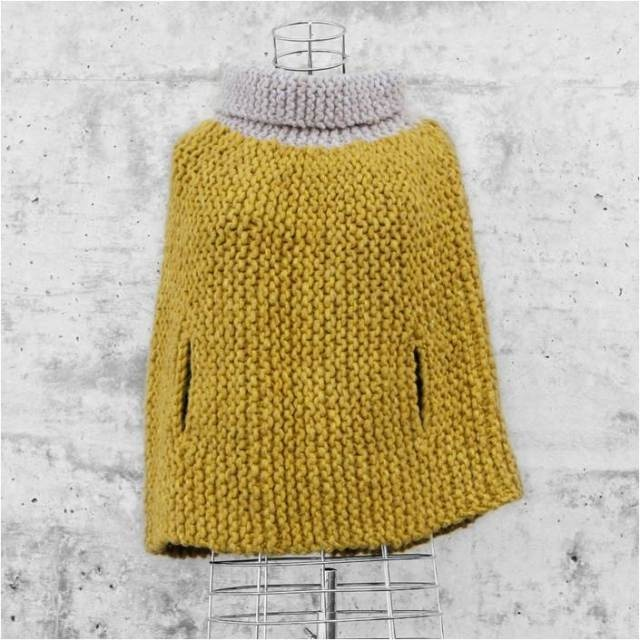 poncho amarillo y crudo