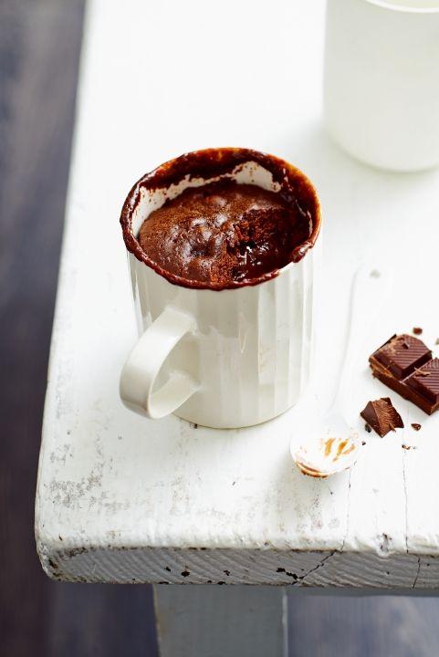 Mug Cake au chocolat fondant - 40 g of dark chocolate 40g salted butter ( 2 1/2 tbsp. ) 1 tsp. tablespoons sugar 2 tbsp. tablespoons flour 1 pinch of baking powder 1 egg