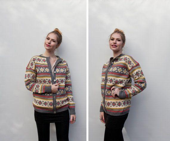 Hestejakka fra LevLandlig. A lovely vintage 1960s wool knit cardigan sweater in the Norwegian tradition.