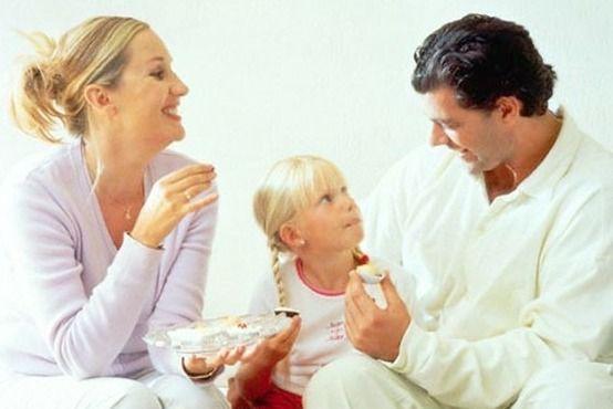 Правильное воспитание детей в том, чтобы дети видели своих родителей такими, каковы они в действительности. | фразы, афоризмы, цитаты