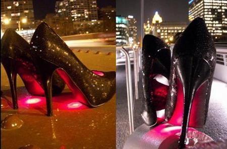 Кроссовки с подсветкой подошвы