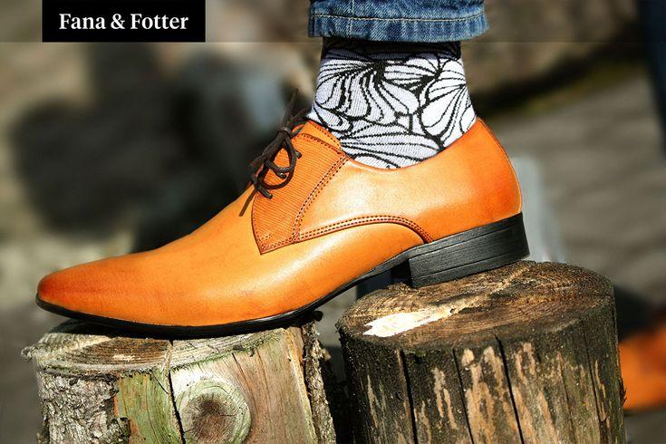 Impress with the Floral Black/White socks for men.