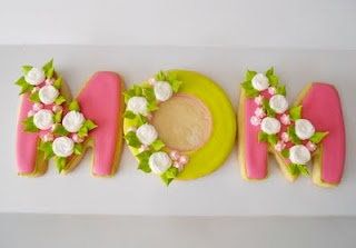 Mother's Day cookies...I know these are cookies, but what a cute card idea!!!!!!!