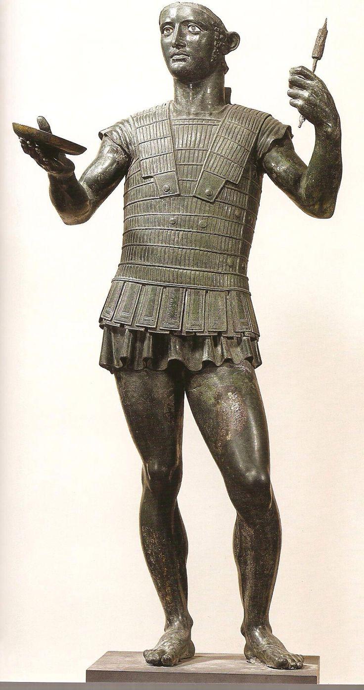 Statue en bronze étrusque. Offrande.