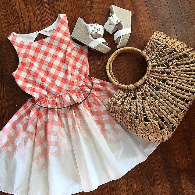 The perfect summer BBQ outfit? We think so!   photo cred:  @modcircus