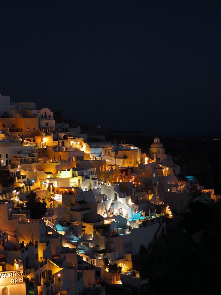 Fira. Santorini. | joanne-khoo.com