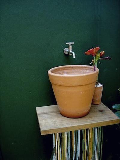 Cool running water, love the terra cotta pot sink!