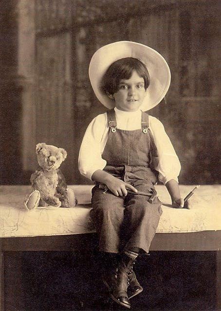 Foto di Frida Kahlo bambina 9