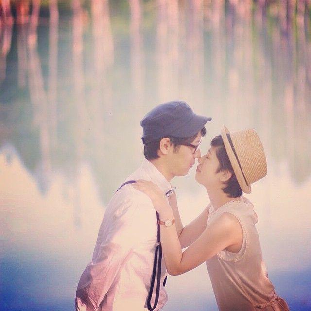 #青い池 幻想的な景色と一緒に キス。 はしてませんよ。 ギリですよギリ! だって観光客さんいるから、恥ずかしいかも知れないしっ 笑 #結婚写真 #花嫁 #プレ花嫁 #結婚 #結婚式 #結婚準備 #婚約 #カメラマン #プロポーズ #前撮り #エンゲージ #写真家 #ブライダル #ゼクシィ #ブーケ #和装 #ウェディングドレス #ウェディングフォト #七五三 #お宮参り #記念写真 #ウェディング #IGersJP #weddingphoto #bumpdesign #バンプデザイン