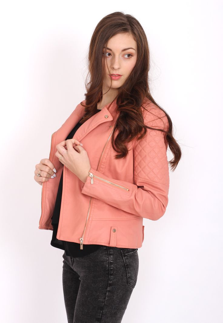 Jacheta Bershka Collection Pink - doar 109,90 lei. Cumpara acum!