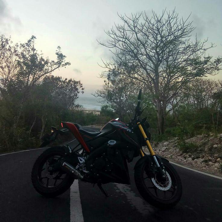 Yamaha xabre Indonesia  Akrapovic exhaust Agung dana Goerat Tattoo Studio Bali Indonesia