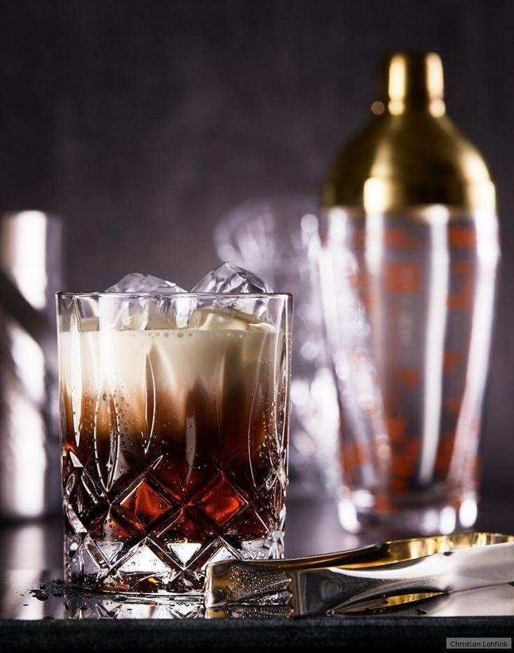 Überraschen Sie Ihre Gäste mit einem After-Dinner-Cocktail. Der Klassiker, der in Hollywood Karriere machte, bringt Dessert und Kaffee unter eine sahnige Haube.
