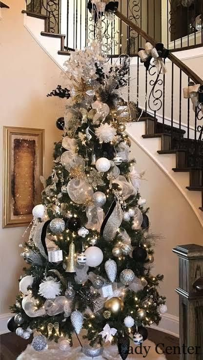 2020 Traditional Home Christmas Black And White Decorations 14   2020 Christmas Home Accessories Trends, #2020Christmas
