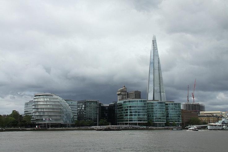 The #Shard, il grattacielo progettato da Renzo Piano che domina la skyline di #Londra