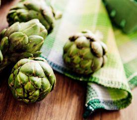 Lutter contre le cancer par l'alimentation, c'est possible! Voici 10 aliments bouclier pour éloigner la maladie.