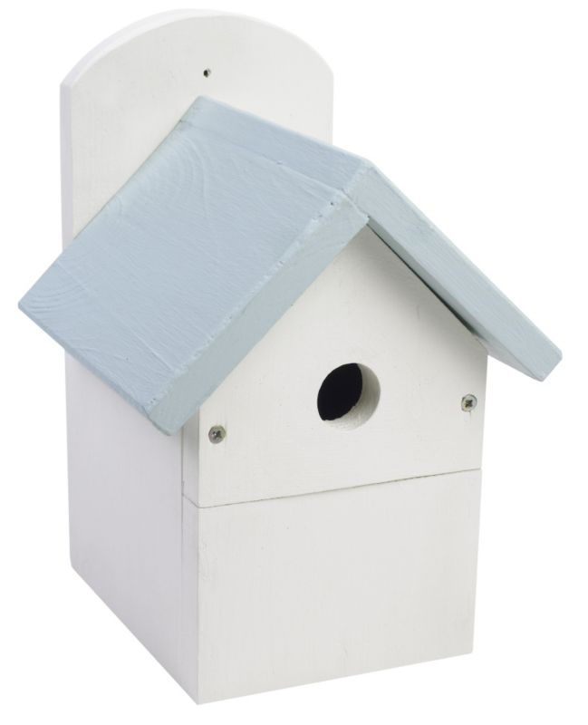 This forest friendly bird box will help your feathered friends keep warm this January #birdbox #bluemonday