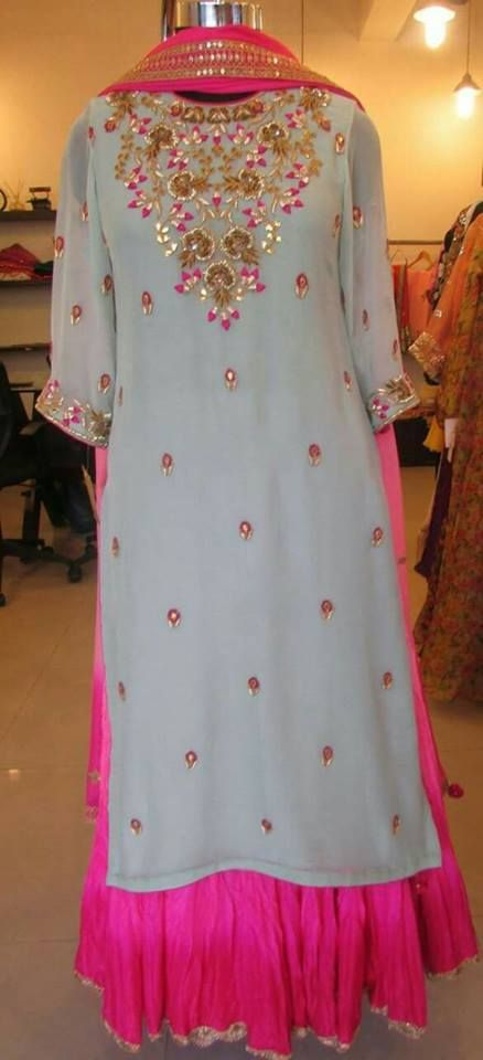 #DesignerPlazoSuitOnline #BuyPlazoSuit #StylishPlazoSuitOnline #PlazoSuitSale Maharani Designer Boutique  To buy it click on this link :  http://maharanidesigner.com/?product=Designer-Plazo-Suit-Online Fabric - Georgette & cool mool  Handwork  Rs. 8000 For any more information contact on WhatsApp or call 8699101094 Website www.maharanidesigner.com