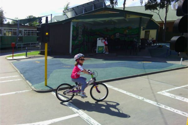 Essendon Traffic School - Give the kids a fun and educational riding experience - a mini road set up for kids aged three to 10, complete with road signs, railway bells and traffic lights.