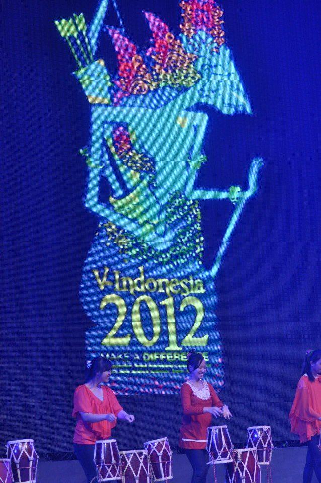 Ladies drumming on stage for VCON #VIND12