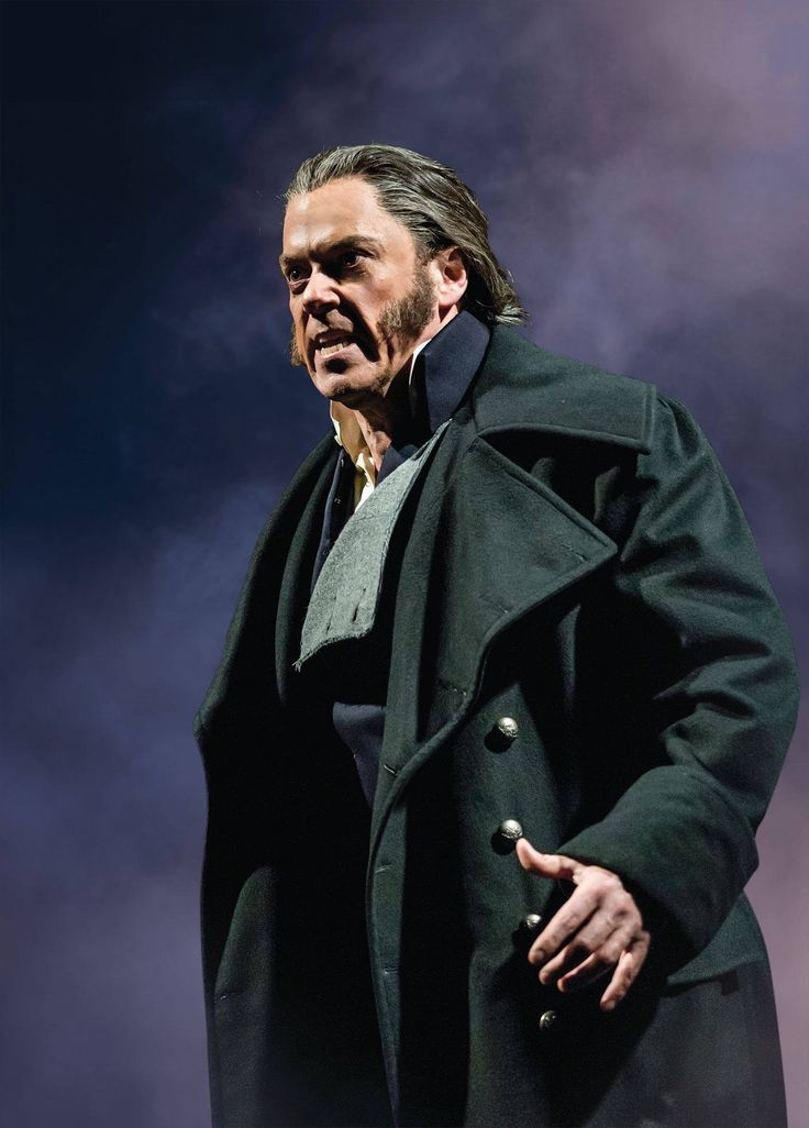 Jeremy Secomb as inspector Javert | Les miserables, Les ...