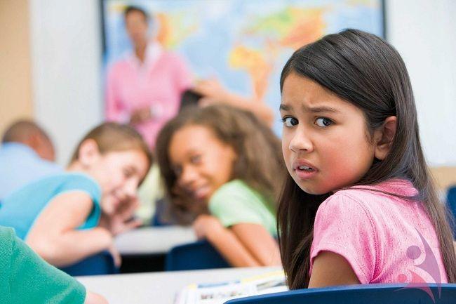 Okula Gitmek İstemeyen Çocuğa Nasıl Davranmalı?