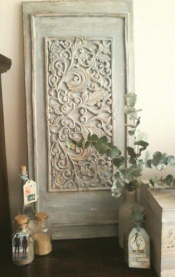 houten paneel 40x85 cm, rubberen deurmat, krijtverf, koffieprut, boenwas en inka gold