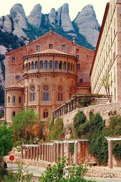Monasterio Benedictino en Monserrat, España.