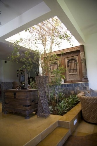 Must Have This! Love The Idea Of An Indian Style Courtyard