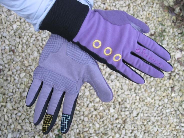 Ana Nichoola Sorbet Glove £37.99