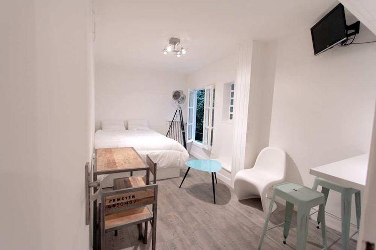 magnifique studio de 23m dans le beau quartier de montmartre logement etudiant 75018 paris. Black Bedroom Furniture Sets. Home Design Ideas