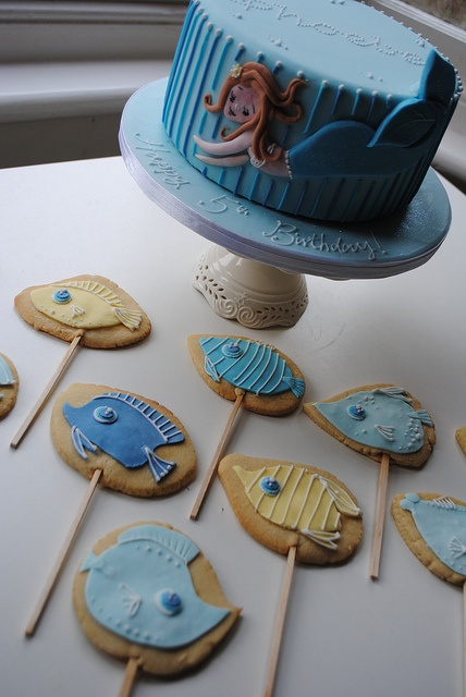 Mermaid and fish cake and cookie pops by Bath Baby Cakes, via Flickr