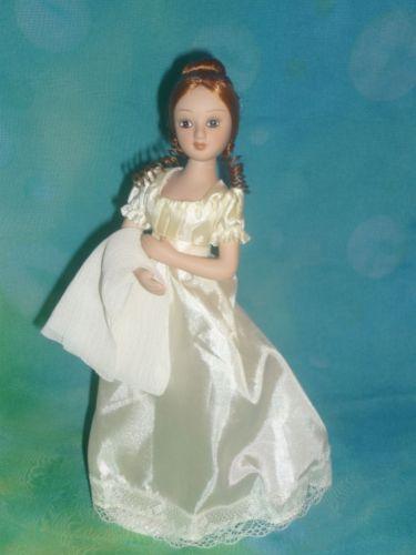 Tatiana-Larina-Eugene-Onegin-DeAgostini-porcelain-doll