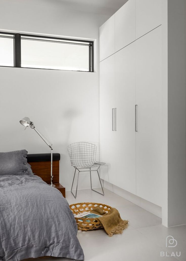 Hyvin suunniteltu vaatekaappi helpottaa pitämään tavarat järjestyksessä ja antaa mahdollisuuden rentoutumiselle.