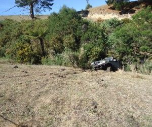 Hi people, as the rains starting to fall, the bogs are getting full and the muds getting thick. Getting stuck is becoming more and more inevitable. We figured this is the perfect time to start doing some videos covering the basics of safe 4wd recovery practices. The key word here is SAFE. Anyone can