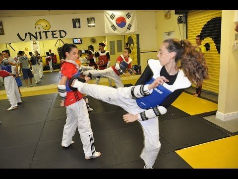 Taekwondo fighting looks better this year European Qualification - YouTube