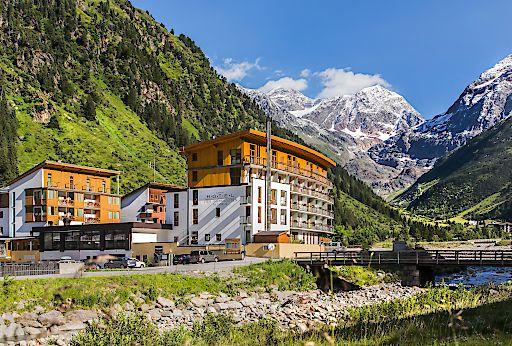 Hotel Vier Jahreszeiten in Mandarfen/Pitztal eröffnet eine neue Genusswelt